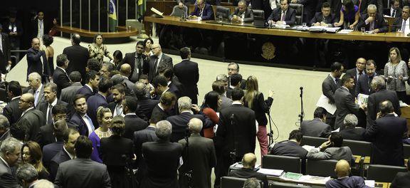 Brasília - Sem acordo para votação da proposta de Emenda à Constituição da reforma política (PEC 77/03) sessão da Câmara foi encerrada (Fabio Rodrigues Pozzebom/Agência Brasil)