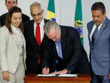 Brasília - Presidente Michel Temer durante assinatura do decreto de transplante e doação de órgãos (Alan Santos/PR)